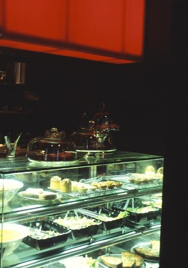 Iffy Cafe 08_cake display detail_Stephen Varady Photo ©