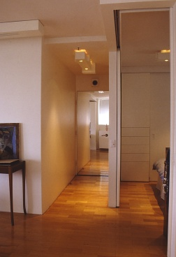 Perraton Apartment 36_view to entry 1_Stephen Varady Photo ©