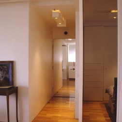 Perraton Apartment 37_view to entry 2_Stephen Varady Photo ©