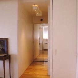 Perraton Apartment 38_view to entry 3_Stephen Varady Photo ©