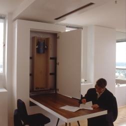 Perraton Apartment 52_installing table 9_Stephen Varady Photo ©