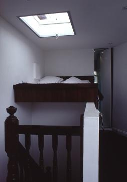 Church Street 05_upper bedroom_after with bathroom door open_Stephen Varady Photo ©