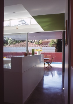 Fullagar Residence 11_view through kitchen to pool_Stephen Varady Photo ©