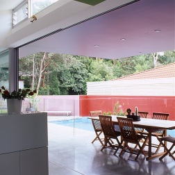 Fullagar Residence 12_outdoor dining + pool_Stephen Varady Photo ©
