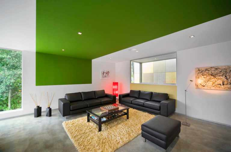 Fullagar Residence 19_living room with green ceiling strip_John Gollings Photo ©