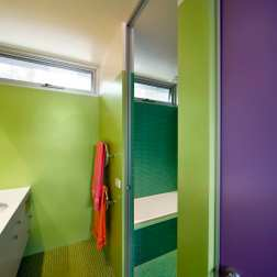 Fullagar Residence 26_children's bathroom_John Gollings Photo ©