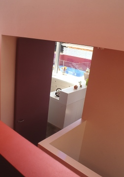 Fullagar Residence 28_internal street view to kitchen_Stephen Varady Photo ©
