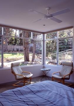 Fullagar Residence 36_parents' bedroom_Stephen Varady Photo ©