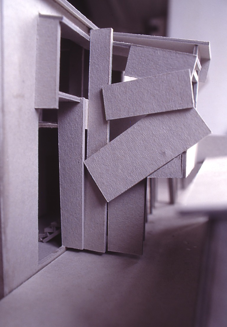 Green Residence 06_stair exterior_model_Stephen Varady Photo ©