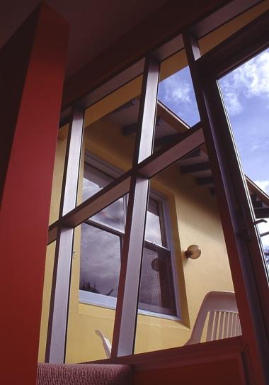 Green Residence 15_stair window to deck_Stephen Varady Photo ©