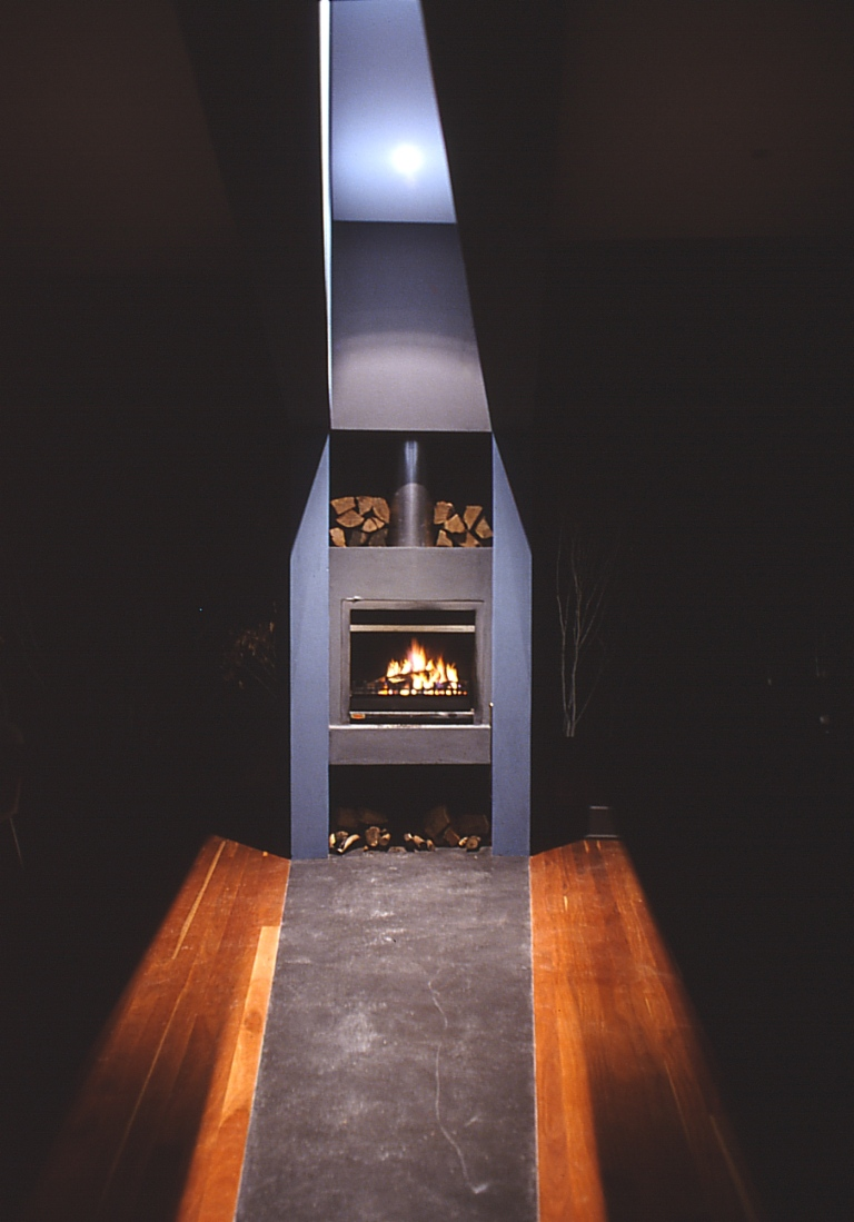 Larson Kelly Residence 18_fireplace_Stephen Varady Photo ©
