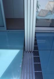 McCarthy Residence 36_en-suite_sliding door tracks + drain detail_Stephen Varady Photo ©