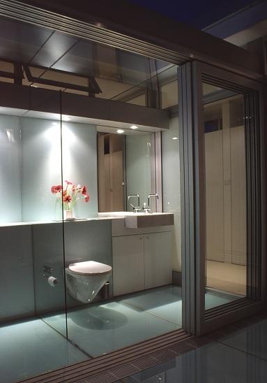 McCarthy Residence 40_en-suite_night 2_Stephen Varady Photo ©