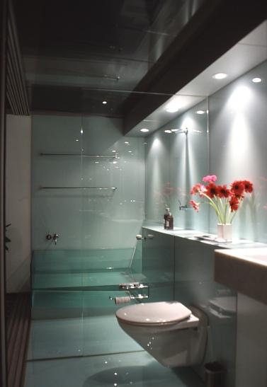 McCarthy Residence 41_en-suite_night 3_Stephen Varady Photo ©
