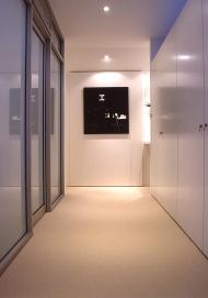 McCarthy Residence 44_hallway + dressing room_dusk 1_Stephen Varady Photo ©