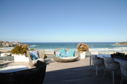 Nasteski Bondi Pacific Penthouse 04_beach view 1_Stephen Varady Photo ©
