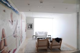 Nasteski Bondi Pacific Penthouse 07_entry_after with 'Bondi Beach' by Brett Whiteley 1_Stephen Varady Photo ©