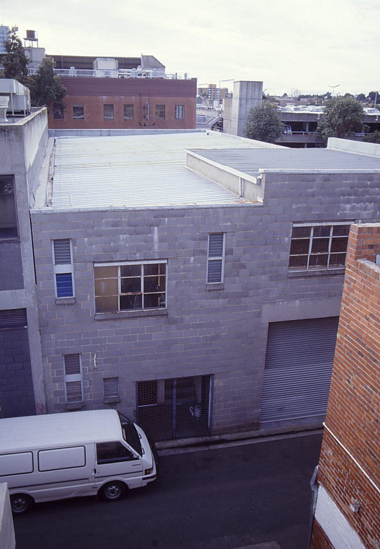 Slobom Residence #1_01_exterior_before_Stephen Varady Photo ©