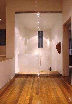 Slobom Residence #1_03_first floor entry_Stephen Varady Photo ©