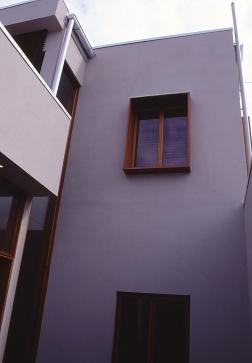 Slobom Residence #1_08_courtyard 2_Stephen Varady Photo ©