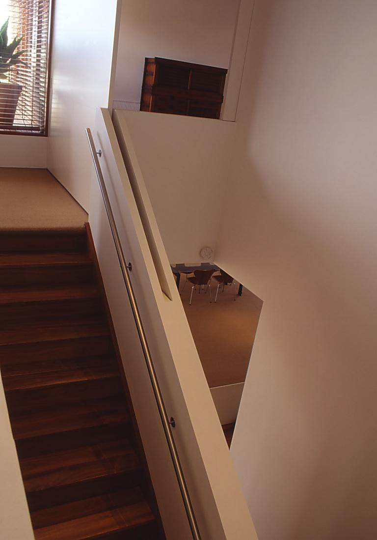 Slobom Residence #1_26_bedroom door_closed_Stephen Varady Photo ©
