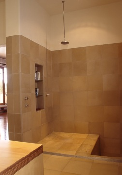 Slobom Residence #1_32_en-suite bathroom_shower + sunken bath_Stephen Varady Photo ©