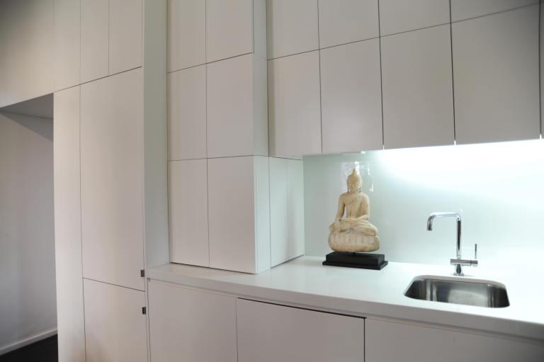 Hynes Apartment 02_kitchen detail 1_Stephen Varady Photo ©