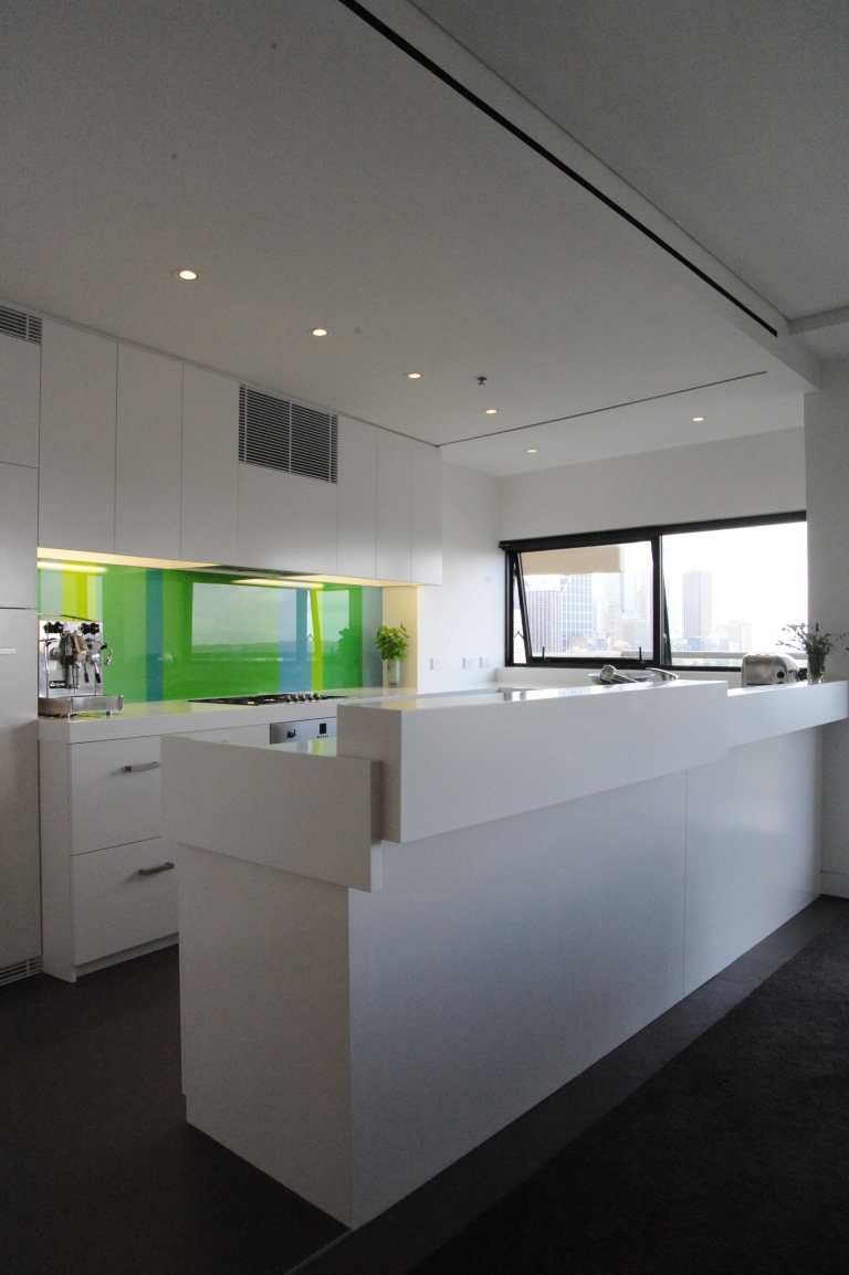 Moss Buswell Apartment 03_kitchen 2_Stephen Varady Photo ©