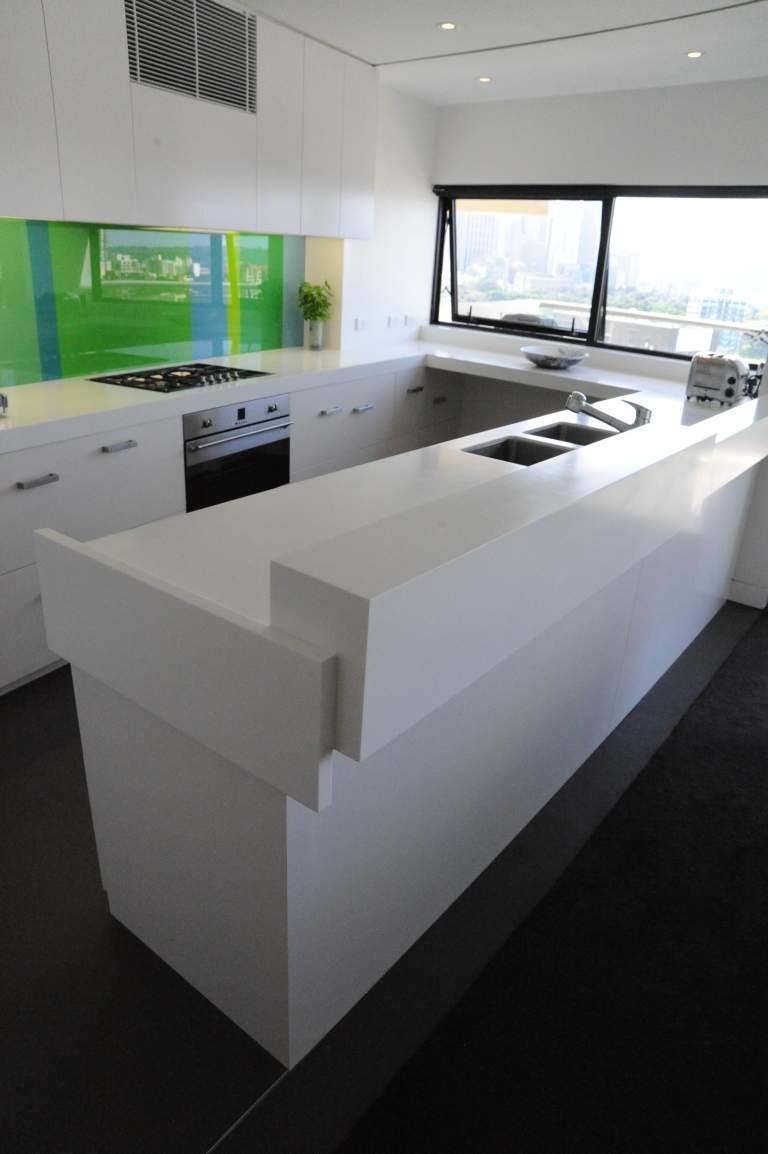 Moss Buswell Apartment 05_kitchen 4_Stephen Varady Photo ©