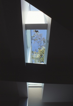 Pace McEwin Residence 19_skylight detail_Stephen Varady Photo ©