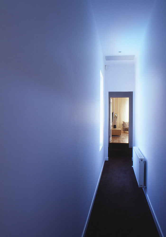 Slobom Residence #2_48_hallway to parents' bedroom_Stephen Varady Photo ©