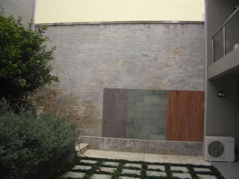 Dalski Stone Showroom 01_Courtyard BeforeStephen Varady Photo ©