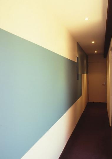 McEwin Pace Residence 30_art wall 2_Stephen Varady Photo ©