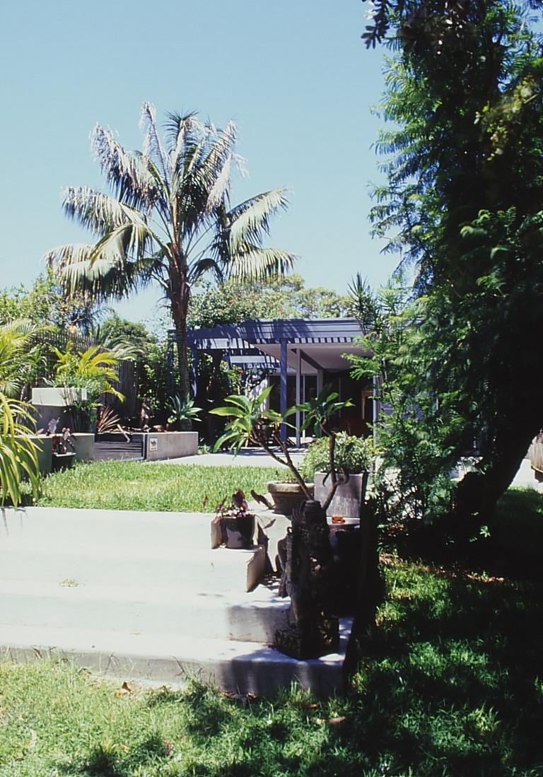 McEwin Pace Residence 37_garden 2_Stephen Varady Photo ©