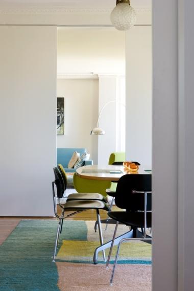 Porter Apartment 10_kitchen to living_Steve Back Photo ©