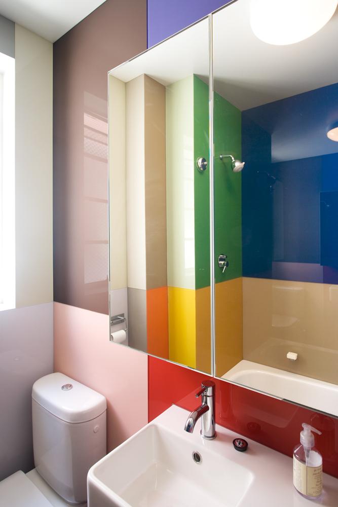 Porter Apartment 13_guest bathroom 1_Steve Back Photo ©
